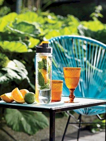 Boca za vodu, sa umetkom za voće, plastična, narančasti čep 800ml